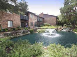 Arbor Lakes - Arlington Heights