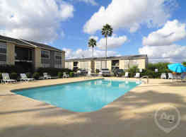 Apple Creek Apartments - Kingsville