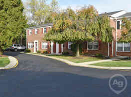 Williamsburg Village - Springfield