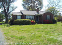 3 br, 2 bath House - 1028 South Anderson Road - Rock Hill