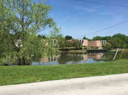 Parkway Manor on the Lake - Alliance