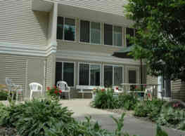 Garden Court Apartments - Winnebago