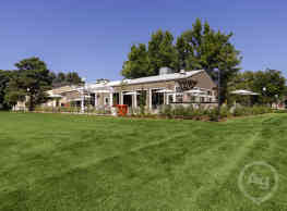 Village Gardens - Fort Collins