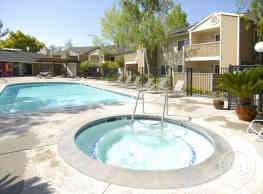 Woodcreek Apartments - Fremont