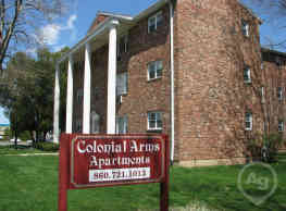 Colonial Arms Apartments - Wethersfield