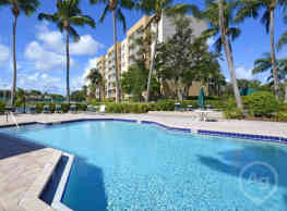 Tennis Towers Apartments - West Palm Beach