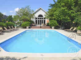 Lake Forest Apartments - Westerville