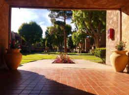 Villa Sierra - Palmdale