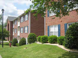 Lakeside Apartments - Greenville