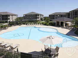 Crescent Pointe Apartments - College Station
