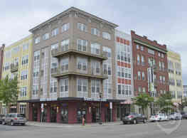 Uptown Lake Apartments - Minneapolis