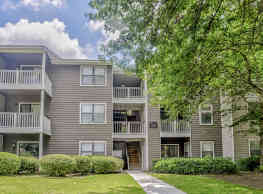 Grove Parkview Apartment Homes - Stone Mountain