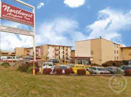 Northwest Airport Inn - Saint Ann