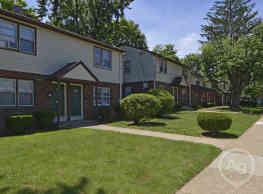 Woodbury Manor Townhomes - Woodbury