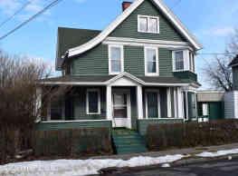 5 br, 2 bath Room For Rent - 50 Clarke Street 50 C - Binghamton
