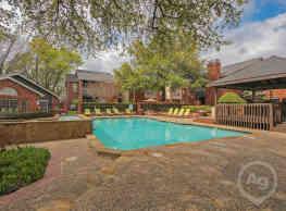 Crestmont Reserve Apartment Homes - Dallas