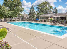 The Village Luxury Apartments - Lexington