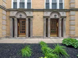 Berteau Manor - Chicago