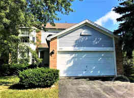 This 3 bed room 2.5 bath 1820 sq ft home features - Round Lake Beach