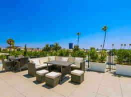 The Montclair - Los Angeles