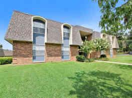 Oak Manor Apartment Homes - Meridian