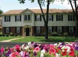 Woods Mill Park Apartments & Townhomes - Saint Louis