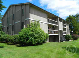 Clinton Manor Apartments - Harrison Township