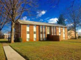 Ashton Heights Apartments - Roanoke