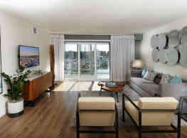 Wayfarer Apartments + Marina - Marina Del Rey
