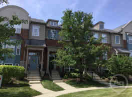 This adorable townhome has newly painted walls, wo - Grayslake