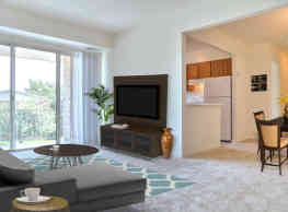 Potomac Commons Apartments and Townhomes - Frederick