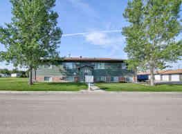 Shamrock Lane Apartments - Devils Lake