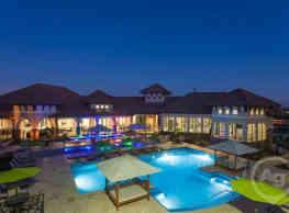 Ladera Apartments - Austin