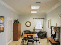 Oakwood Apartments - Lake Worth