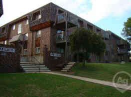 Briarwood Condominiums - Topeka
