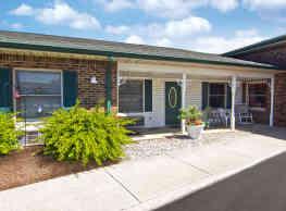 Club Manor IN Retirement Community - Brownsburg