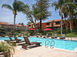 Brookhollow Apartments - West Covina