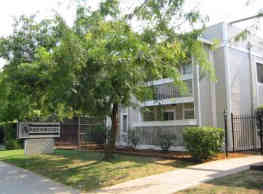 Amberwood Apartments - Carmichael