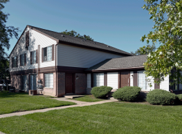 Farmbrooke Manor Townhomes - Clinton Township