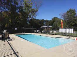 Rock Creek Apartments - Conway