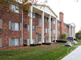 Wagon Wheel Apartments - Royal Oak