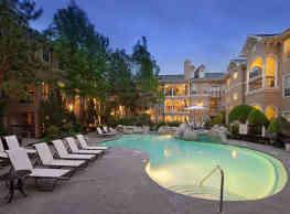 The Carlton Apartments - Houston
