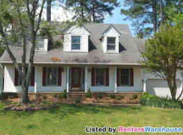 Spacious Colonial w/Huge Family Room and Kitchen - Chesapeake