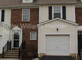 1119 Green Knoll Dr - Westerville