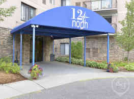 12 North Apartments - Southfield