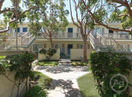 Sandpointe Cove Townhomes - Newport Beach