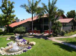 Brookside Apartments - La Palma