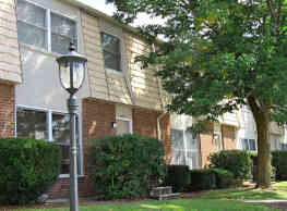 Woodland Park Apartments - Williamsport