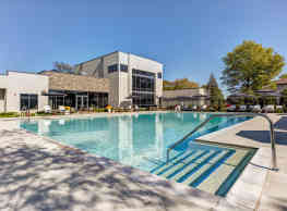 The Residence at Arlington Heights - Arlington Heights