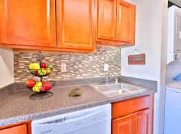 Briarwood Place Apartment Homes - Laurel